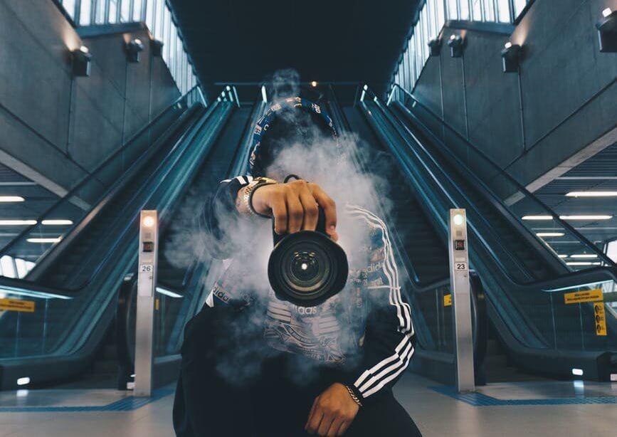 VlogやYouTubeを始めるならどのカメラ?初心者が失敗しない安くて高機能なカメラ!?